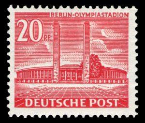 Das für die Olympischen Spiele 10936 erbaute Olympiastadion auf einer BRD Marke aus der Bauten-Serie. Berlin Mi.Nr. 113 (Ausgabe 26. August 1953)
