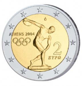 Griechenland gab die erste 2 Euro-Gedenkmünze überhaupt heraus, der Anlass: Olympische Sommerspiele 2004 in Athen. Zu sehen ist der Diskobolos (Diskuswerfer) des antiken Bildhauers Myron (5. Jahrhundert v. Christus)