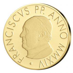 Papst Franziskus auf der Vatikan Goldmünze zum Sakrament der Taufe