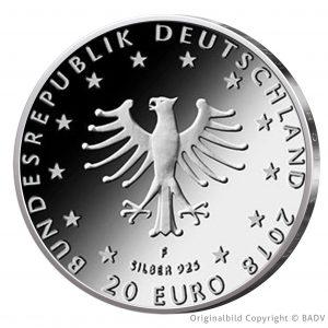 """Wertseite der Münze BRD 20 Euro 2018 """"Grimms Märchen – der Froschkönig"""", 925er Silber 18g, Ø 32,5mm. Bild © BADV"""
