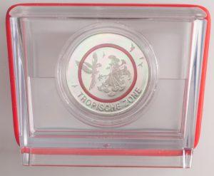 Fotografie der Münze in Polierter Platte und in Box, 5 Euro 2017 Roter Polymerring Tropische Zone PP
