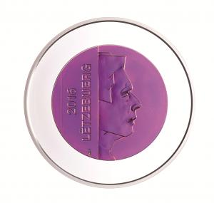 Während die Motive der Wertseite jährlich wechseln, ist auf Portraitseite (hier die der 2016er Niob-Münze Luxemburgs) jeweils Großherzog Henri abgebildet