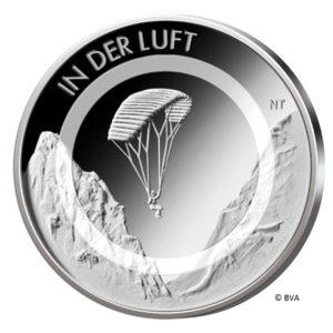 """BRD 10 Euro 2019 """"In der Luft"""" mit lichtdurchlässigem Kunststoffring, Motivseite, Copyright BVA"""